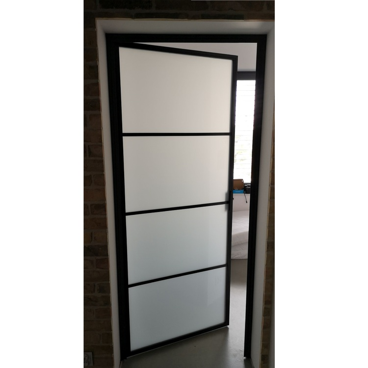 Drzwi B ze szkłem mlecznym LOFT w domu w Kostrzynie nad Odrą