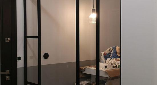 Ścianka ze szkła drzwi dla Izy Tuszyńskiej ściany szklane producent LOFT Poznan 1