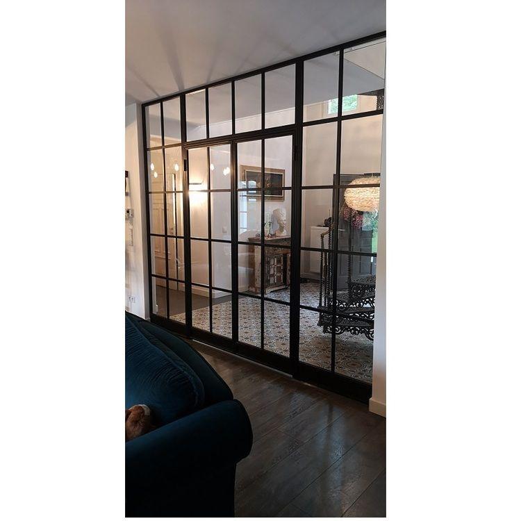 Polsat Mag Haus Przyjaciółki sciana loftowa z drzwiami ze szkłem w czarnych stalowych ramach LOFT