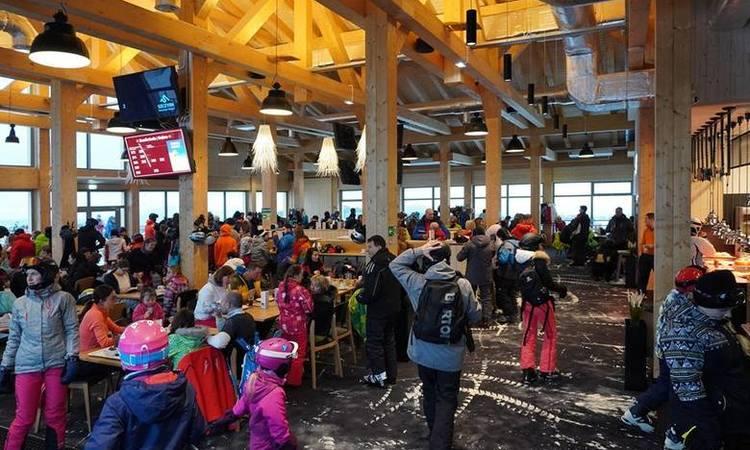 Restauracja Kuflonka lampy przemysłowe loft industrialne loftowe maghaus mag haus 450-osob przemysłowa